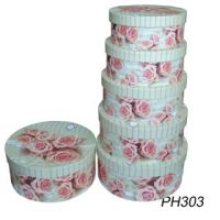 Read more: Round Rose Hat Box