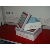 Read more: Display Storage Boxes with Lids
